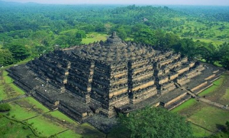 Photo of Gunung Padang – The Mysterious Ancient Pyramid In Indonesia That Is Rewriting History