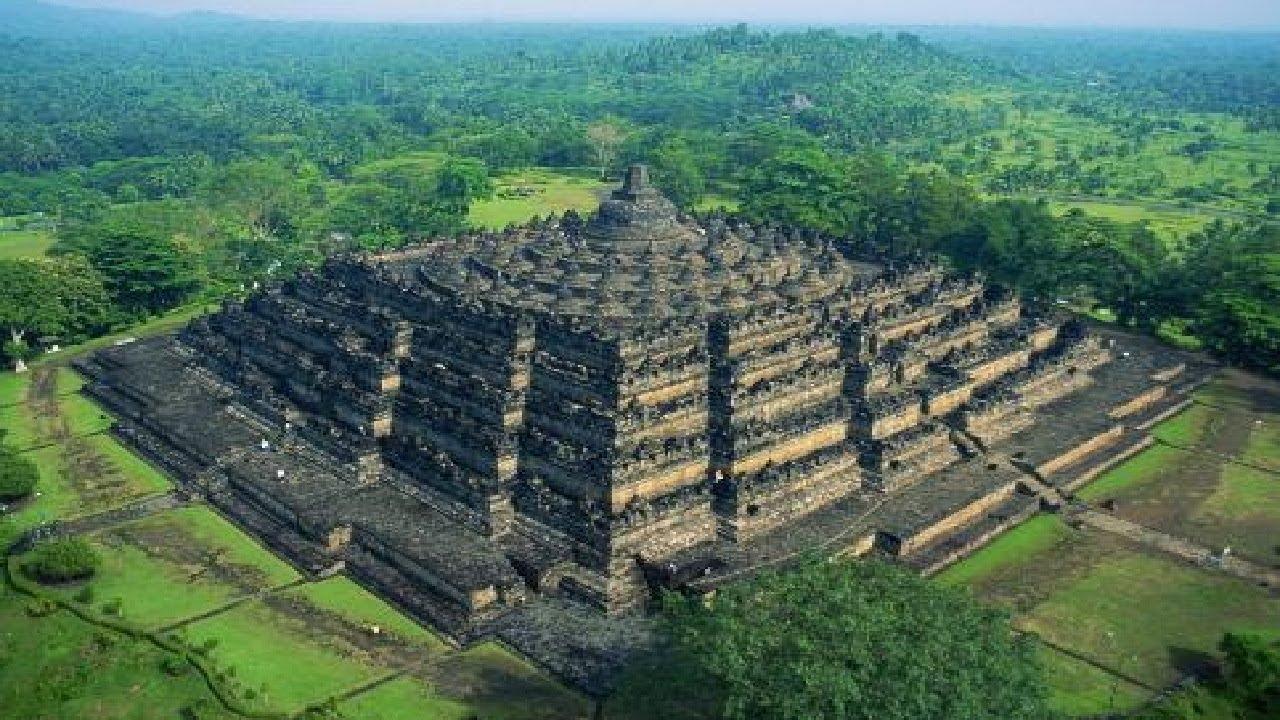 gunung padang  the mysterious ancient pyramid in